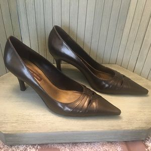 8f83660d90b Antonio Melani Brown Leather Low Heel Size 6M.